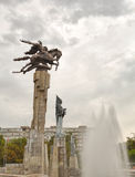Skulpturala komplexa Manas. Bishkek Kirgizistan arkivbilder