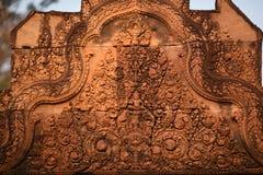 Skulpturen auf Tempel Banteay Srei, Angkor Wat Cambodia Lizenzfreie Stockfotografie