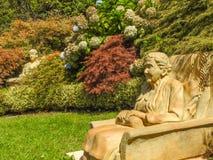Skulpturen in Cloudehill-Gärten Stockbild