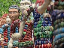 Skulpturen gemacht von den überschüssigen Armbändern lizenzfreie stockfotos