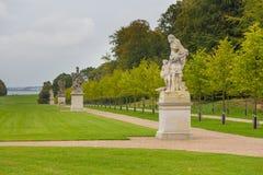 Skulpturen in historischem, Palastgärten, Fredensborg, Dänemark lizenzfreies stockbild