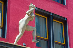 Skulpturen Leda och svanen i Horb på Neckaren Arkivfoto