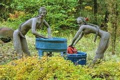 Skulpturen in Parikkala-Skulpturenpark, Finnland Lizenzfreies Stockbild