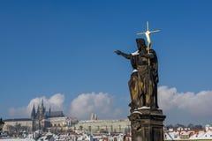 Skulpturen in Prag Stockbilder