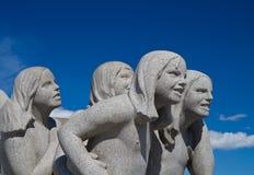 Skulpturen in Vigeland-Park Oslo Norwegen lizenzfreies stockbild