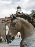 Skulpturen von Pferden in Skopje, N Mazedonien stockbilder