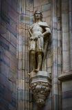 Skulpturer av helgon och martyr som dekorerar domkyrkan av Milan Duomo di Milano, är skottnärbilden Royaltyfria Foton