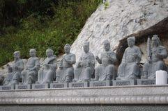 Skulpturer av tio tusen buddhaskloster arkivbild
