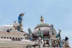 Skulpturer i det Sri Mariamman tempelet royaltyfri foto