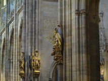 Skulpturer i en kyrka royaltyfri fotografi