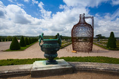 Skulpturer i trädgård av den Versailles slotten Royaltyfri Bild