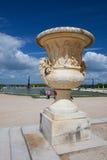 Skulpturer i trädgård av den Versailles slotten Royaltyfri Foto