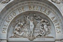 Skulpturer på den Bellas Artes slotten av konst, Mexico - stad, Mexico royaltyfria foton