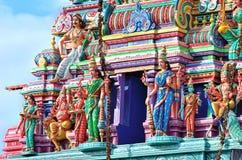 Skulpturer på den hinduiska templet Royaltyfria Bilder