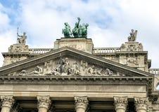 Skulpturer uppe på Budapest museum av etnografi royaltyfria bilder