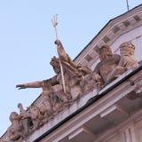 Skulpturgrupp på börsbyggnad, St Petersburg Arkivbild