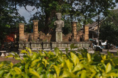 Skulpturreplik in Chaiya-Markt lizenzfreie stockfotos