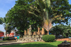 Skulpturreplik in Chaiya-Markt lizenzfreies stockbild