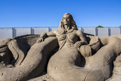 Skulpturschloßform gebildet mit Strandsand lizenzfreie stockfotografie