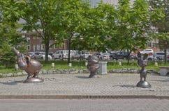 Skulpturtecknad filmteckenen Winnie the Pooh Fotografering för Bildbyråer