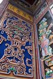 skulpturtempelvägg royaltyfria bilder