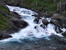 skumma kraftig flod Royaltyfri Foto