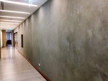 Skumma laget på kontorsväggen Royaltyfri Fotografi