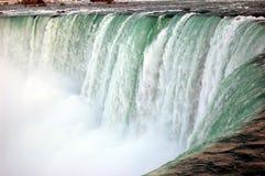 Skumma vatten av Niagara Falls Arkivbild