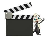 Skunksowy postać z kreskówki z clapboard Zdjęcia Royalty Free