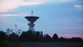 Skupia się odmienianie od trawy centrum Astronautyczna komunikacja zbiory