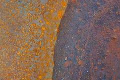 Skutek korodowanie na metalu w mokrej pogodzie zdjęcia royalty free