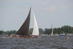 Skutsjesilen aux Pays-Bas Image stock