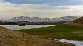 Skutustadagigar冒充的火山口在冰岛 库存图片