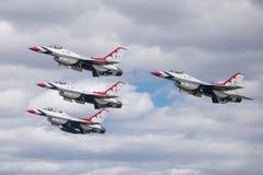 Skvadron för U.S.A.F.-luftdemonstration Royaltyfria Foton