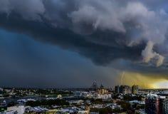 Åskväder över staden av Sydney, Australien Fotografering för Bildbyråer