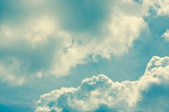 Sky with clouds and sunlight, natural background Royalty Free Stock Photos