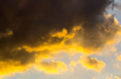 Sky with dark clouds. Light day descriptive Royalty Free Stock Photography