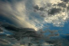 Sky with dark and light cloudes Royalty Free Stock Photography