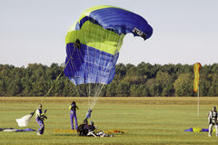 Sky Diving - Safe Tandem Landing Stock Photography