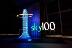 Sky100 embleem Stock Fotografie