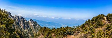 sky för panorama för filterberg orange Arkivbild