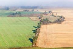 sky för liggande för bakgrundsfältgräs Royaltyfri Fotografi