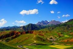 Sky, Grassland, Mountainous Landforms, Nature stock photo