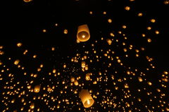 Sky lantern festivalyee peng lannain Chaing Mai, Thailand. Chiang Mai, Thailand - November 14, 2016:The Khom Loi is a cylinder of paper about one meter high Royalty Free Stock Photo