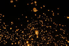 Sky lantern festivalyee peng lannain Chaing Mai, Thailand. Chiang Mai, Thailand - November 14, 2016:The Khom Loi is a cylinder of paper about one meter high Royalty Free Stock Image