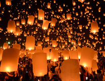 Sky lanterns festival or Yi Peng festival in Chiang Mai, Thailand Royalty Free Stock Photos
