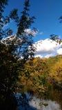 Sky och flod Fotografering för Bildbyråer