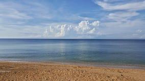 Sky och hav Arkivbild