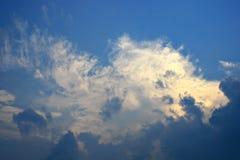 Sky och oklarheter royaltyfria foton