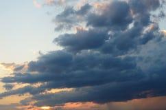 Sky på solnedgången Fotografering för Bildbyråer
